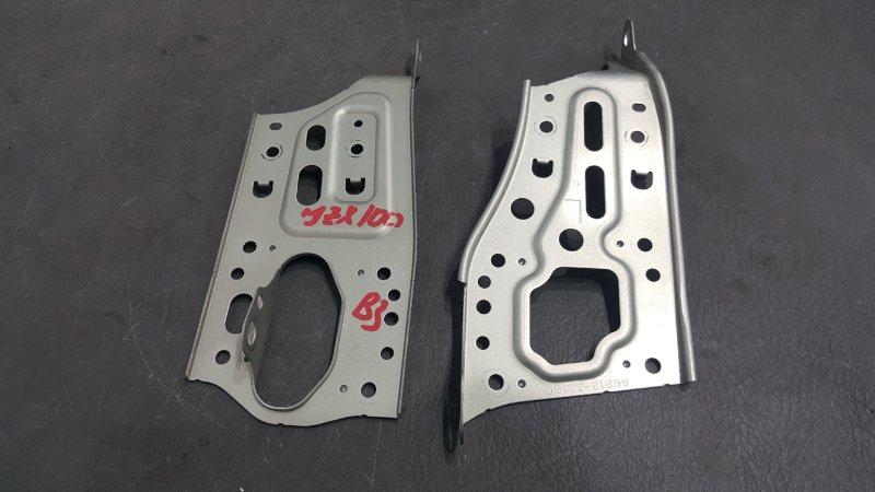 Крепление магнитолы Toyota Chaser JZX100 1JZ 1997 Продаются парой, цена за пару. (б/у)