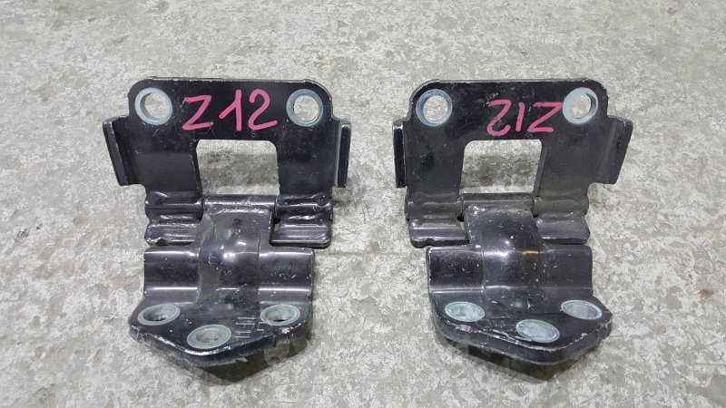 Крепление двери багажника Nissan Cube Z12 HR15 2009 Комплект из двух штук. Цена указана (б/у)