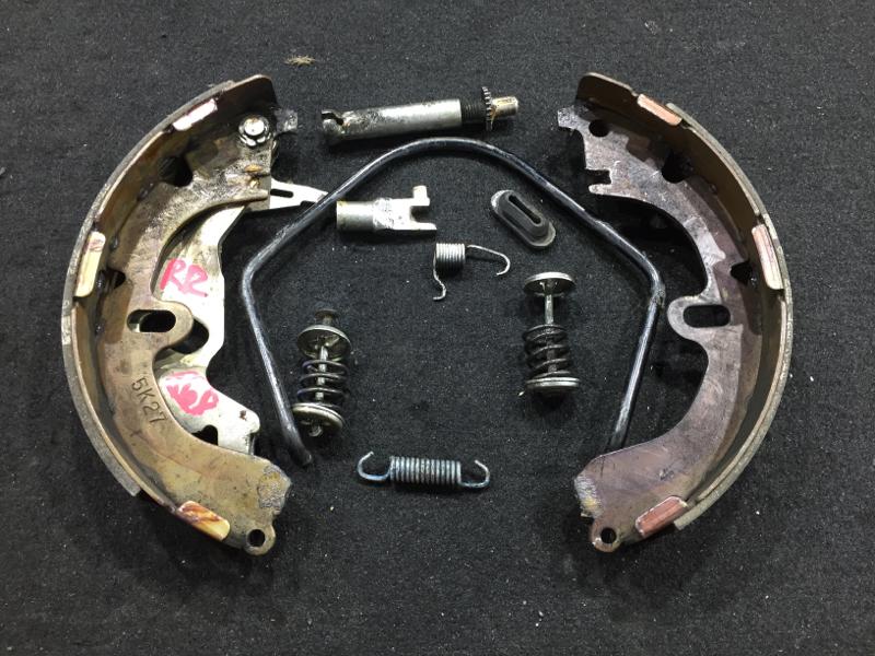 Рабочая тормозная система Toyota Corolla AE114 4A 1996 задняя правая Без тормозного цилиндра. (б/у)