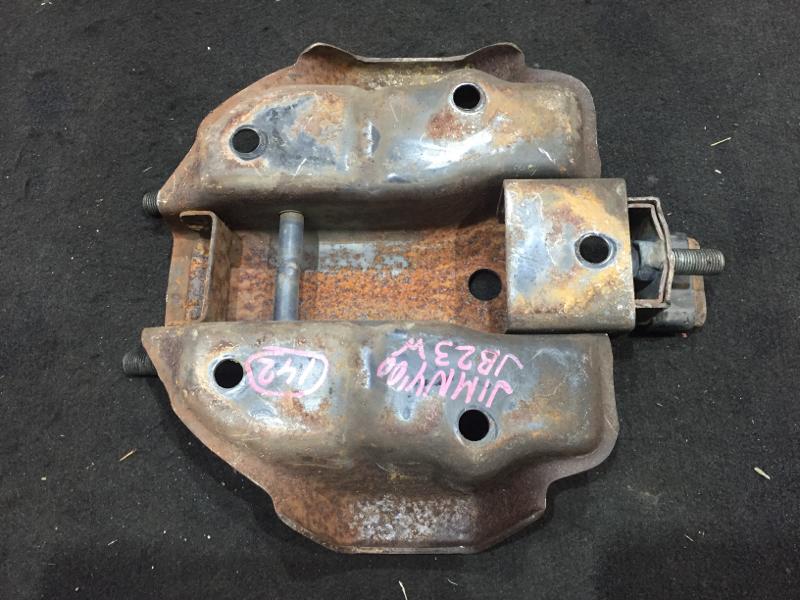 Крепление запасного колеса Suzuki Jimny JB23W K6AT 2000 (б/у)