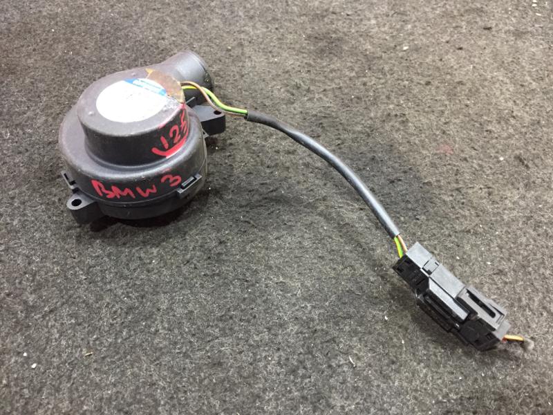 Вентилятор охлаждения корпуса блока efi Bmw 3-Series E90 N52B25A 2006 (б/у)
