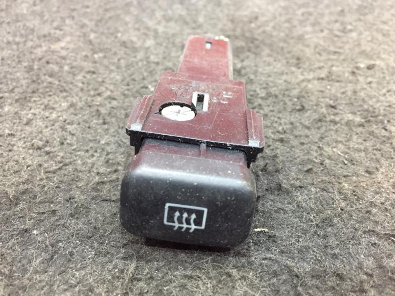 Кнопка включения обогрева Toyota Corolla AE114 4A 1996 Кнопка включение обогрева заднего  (б/у)