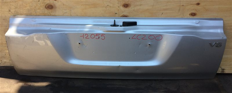 Дверь багажника Toyota Land Cruiser UZJ200 12055 Нижняя часть (б/у)