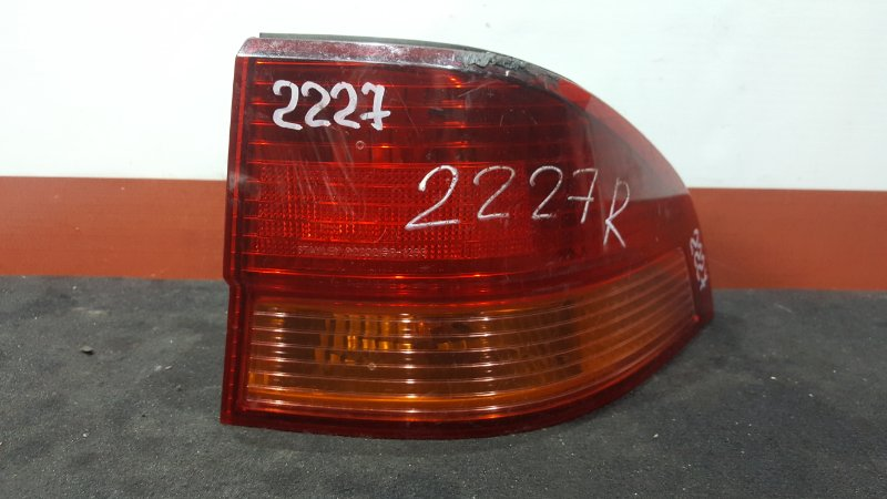 Задний фонарь Honda Accord Wagon CH9 задний правый 2232 (б/у)