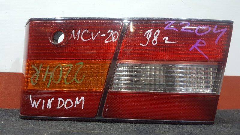Вставка багажника Toyota Windom MCV20 задняя правая 33-25 В крышку багажника. (б/у)