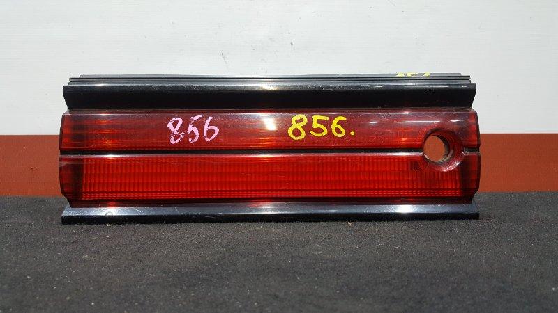 Вставка багажника Toyota Mark Ii GX90 Между стопами. (б/у)