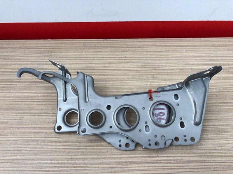 Крепление магнитолы Toyota Camry ACV40 2AZ 2008 Продаются парой, цена за пару. (б/у)