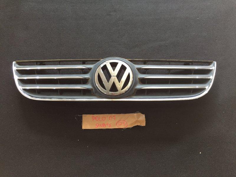 Решетка радиатора Volkswagen Polo 9N3 BTS 2007 1T0853601A (б/у)