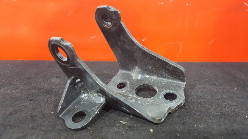 Кронштейн опоры двигателя Toyota Corolla Fielder NZE121 1NZ 2005 задний (б/у)