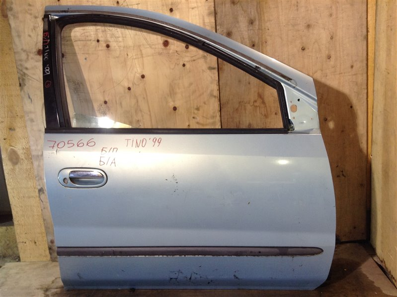 Дверь боковая Nissan Tino V10 QG18DE 1999 передняя правая 70566 (+27.04.20) Снят замок, стекло. 1А Цена  (б/у)