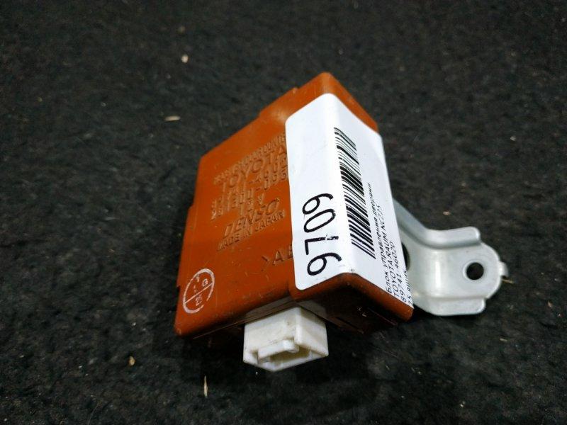 Блок управления дверями Toyota Raum NCZ25 25 ящик (б/у)
