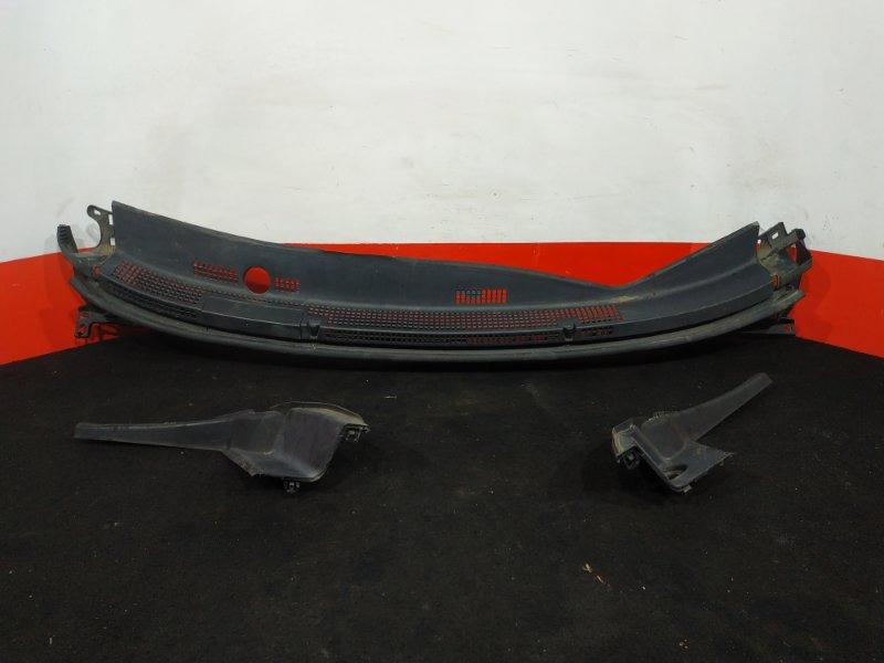 Решетка, жабо под дворники Honda Stepwgn RK5 R20A 2012 В комплекте с уголками. Уголки (б/у)