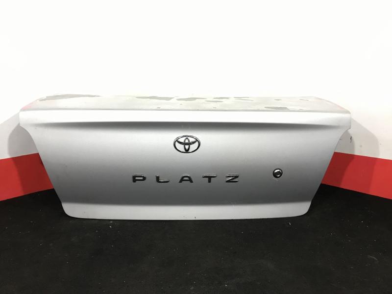 Крышка багажника Toyota Platz NCP12 1NZ 2002 Облез лак (см. фото). (б/у)