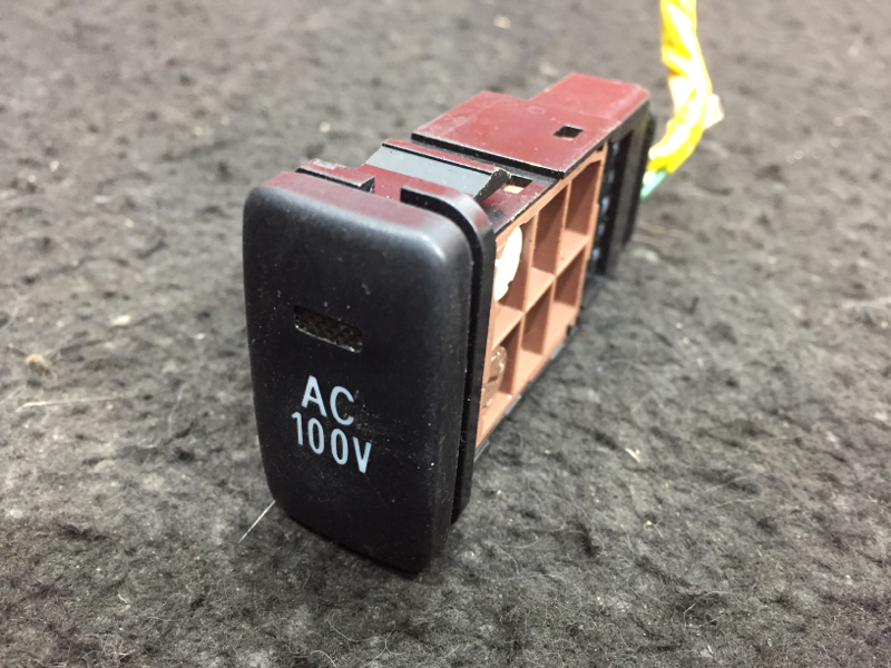 Кнопка Toyota Ipsum ACM21 2AZ 2003 AC/100V (б/у)