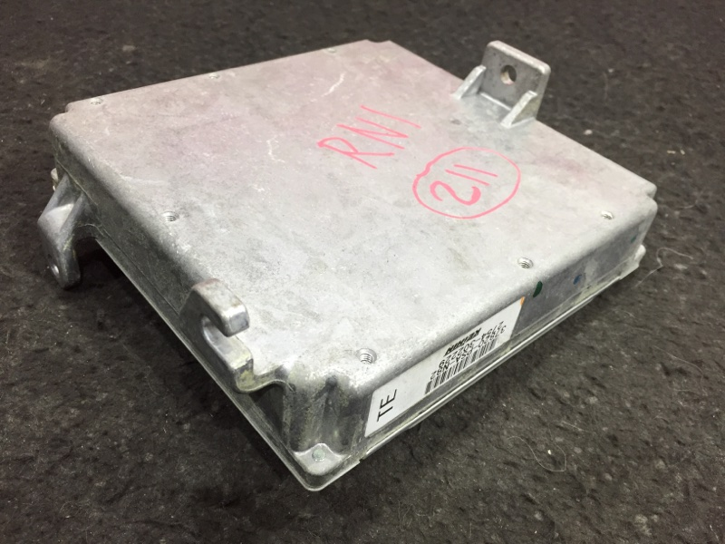 Блок управления двс Honda Stream RN1 D17A 2006 30 ящик. (б/у)