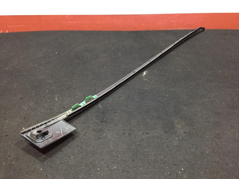 Молдинг лобового стекла Honda Cr-V RE4 K24A 2008 передний правый Есть дефект креплений. (б/у)