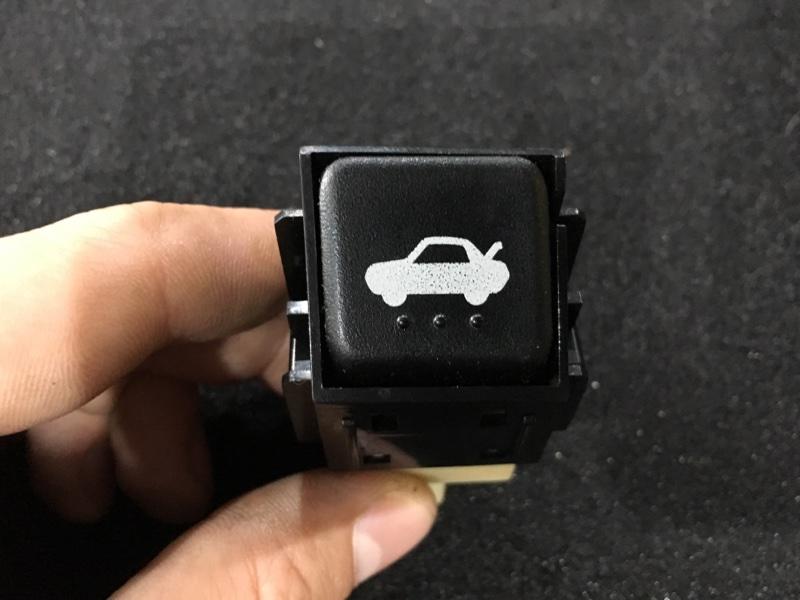 Кнопка открывания багажника Mazda Rx-8 SE3P 13B 2004 (б/у)