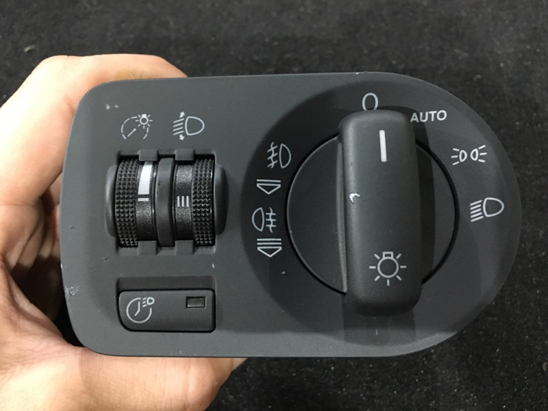 Блок управления светом Audi A3 8P BSE 2008 Продается в сборе как на фото. (б/у)