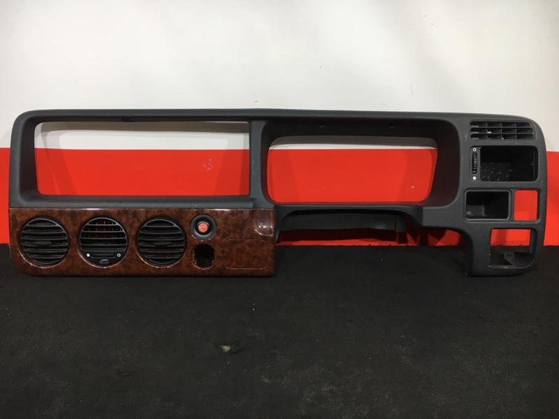 Консоль центральная Honda Stepwgn RF2 B20B 2000 Комплектность как на фото. (б/у)