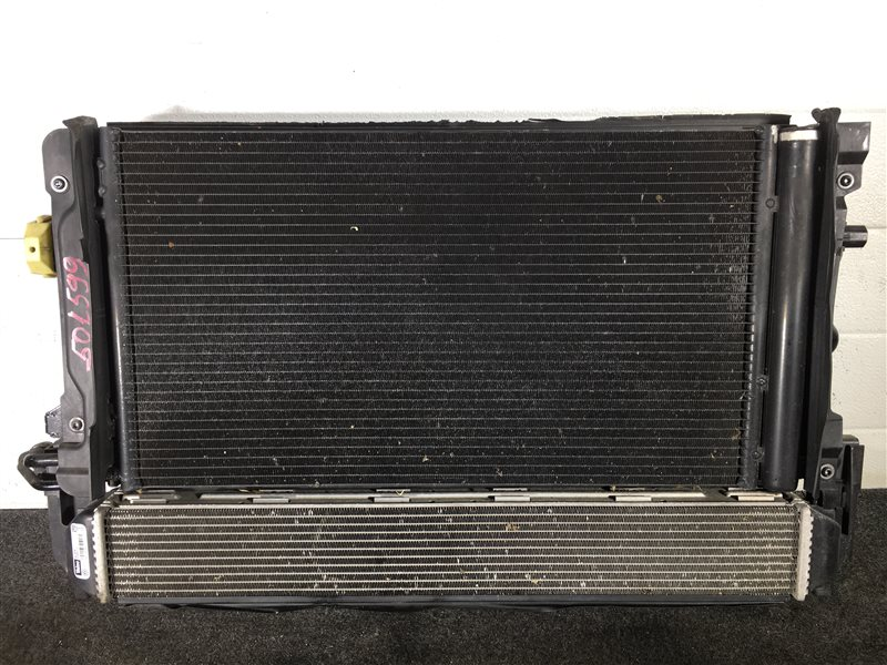 Интеркулер Audi A1 8XA CAXA 2011 501599 Радиатор двигателя, радиатор кондиционера (б/у)