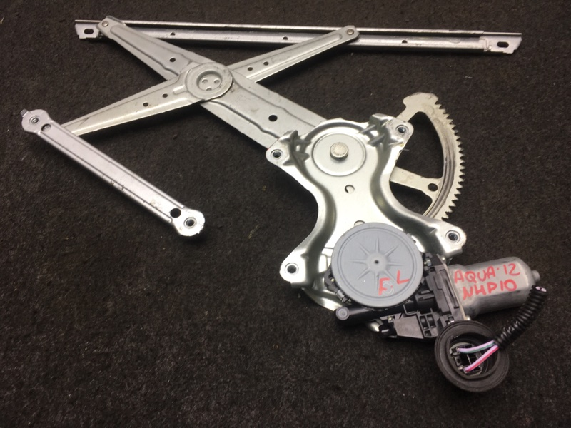 Стеклоподъемный механизм Toyota Aqua NHP10 1NZ-FXE 2012 передний левый (б/у)