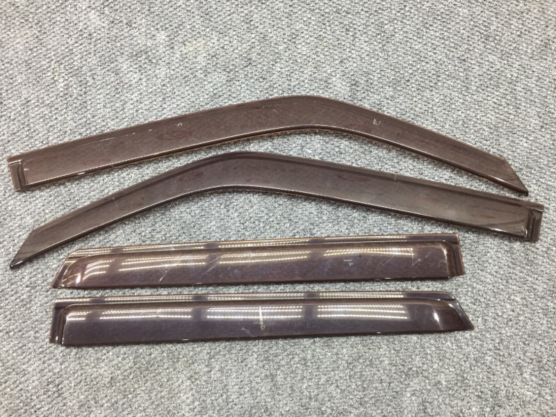 Комплект ветровиков Nissan Juke YF15 HR15 2011 Продаются комплектом 4 шт. Сломаны (б/у)