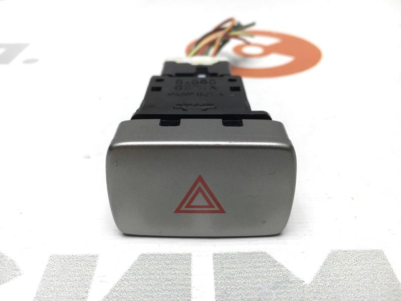 Кнопка включения аварийной сигнализации Nissan Wingroad WHNY11 QG18 2004 (б/у)
