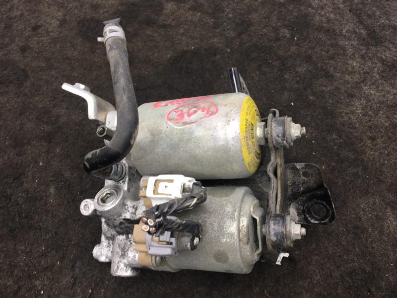 Блок abs Toyota Aqua NHP10 1NZ-FXE 2012 Вакуумный усилитель тормозов в сборе. Цена за (б/у)
