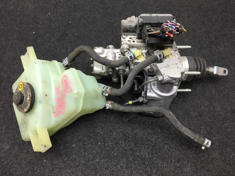 Цилиндр главный тормозной Toyota Aqua NHP10 1NZ-FXE 2012 47270-47030 ГТЦ в сборе. Цена за (б/у)