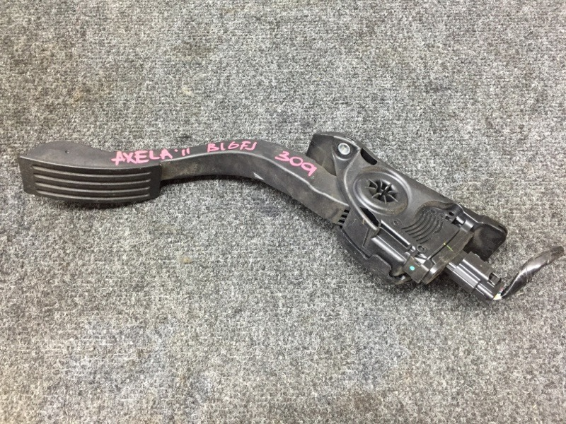 Педаль газа Mazda Axela BL6FJ Z6 2011 (б/у)