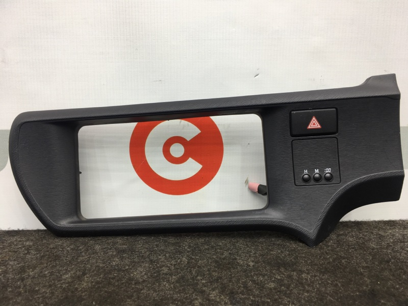 Консоль центральная Toyota Aqua NHP10 1NZ-FXE 2012 (б/у)