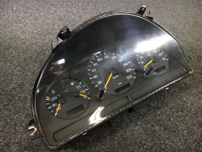 Панель приборов Mercedes-Benz M-Class W163 112.942 1999 501950 (б/у)