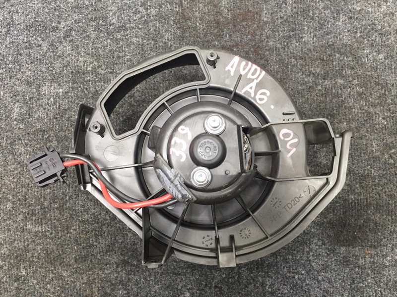 Мотор печки Audi A6 4F2 AUK 2004 (б/у)