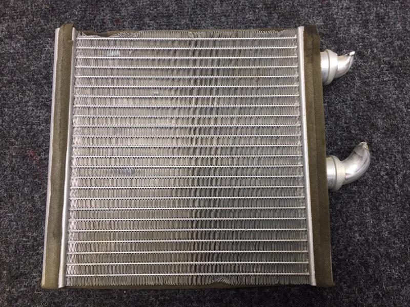 Радиатор отопителя Nissan X-Trail NT31 MR20DE 2009 Немного замят, трубки целые. (б/у)