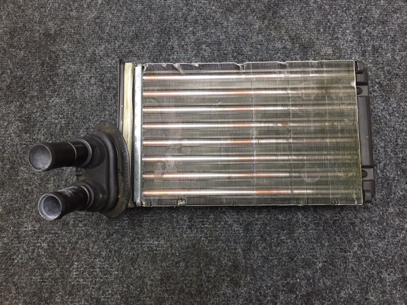 Радиатор отопителя Volkswagen Passat 3B6 AZX 2004 (б/у)