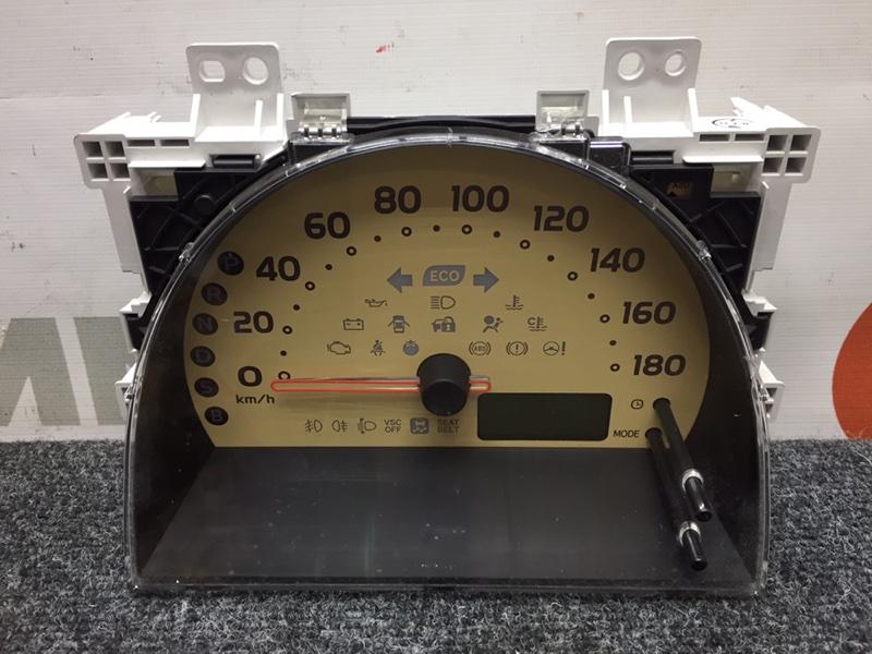 Панель приборов Toyota Passo KGC30 1KR 2011 Дефект крепления, трещины на стекле (см. фото) (б/у)