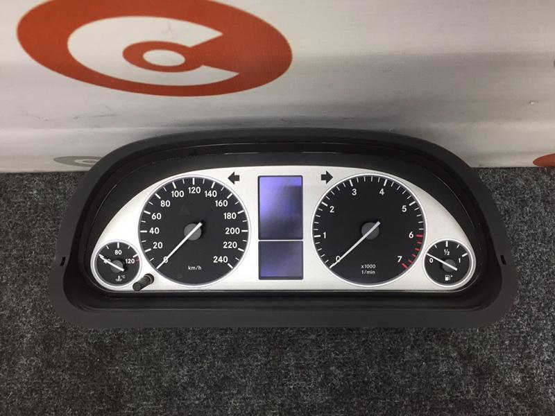 Панель приборов Mercedes-Benz B-Class T245 M266 E17 2006 (б/у)