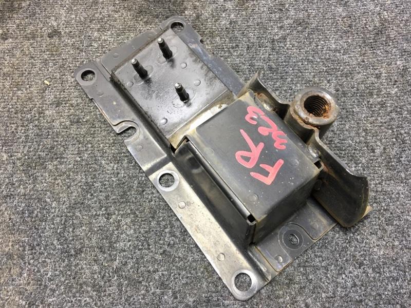 Кронштейн усилителя бампера Nissan Murano PZ50 VQ35 2004 передний правый (б/у)