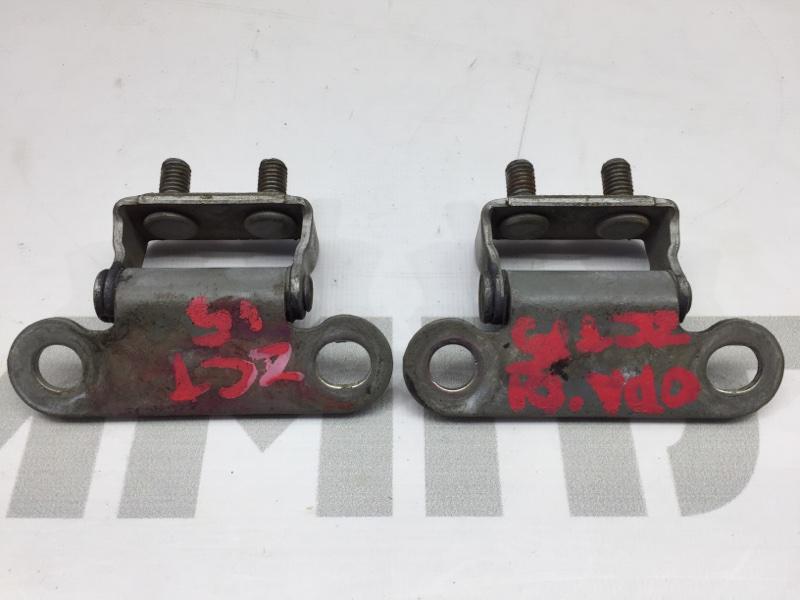 Крепление двери багажника Toyota Opa ZCT15 1ZZ 2001 Продаются парой. (б/у)