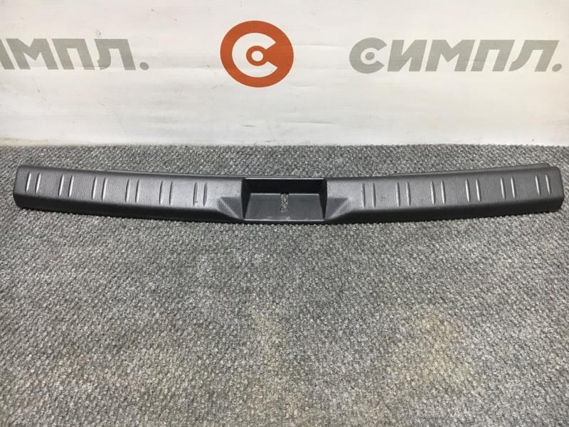 Панель замка багажника Subaru Forester SG5 EJ202 2004 (б/у)