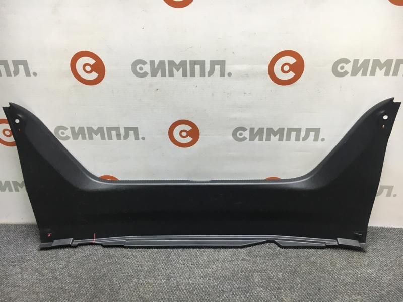 Панель замка багажника Toyota Camry ACV30 2AZ 2003 (б/у)