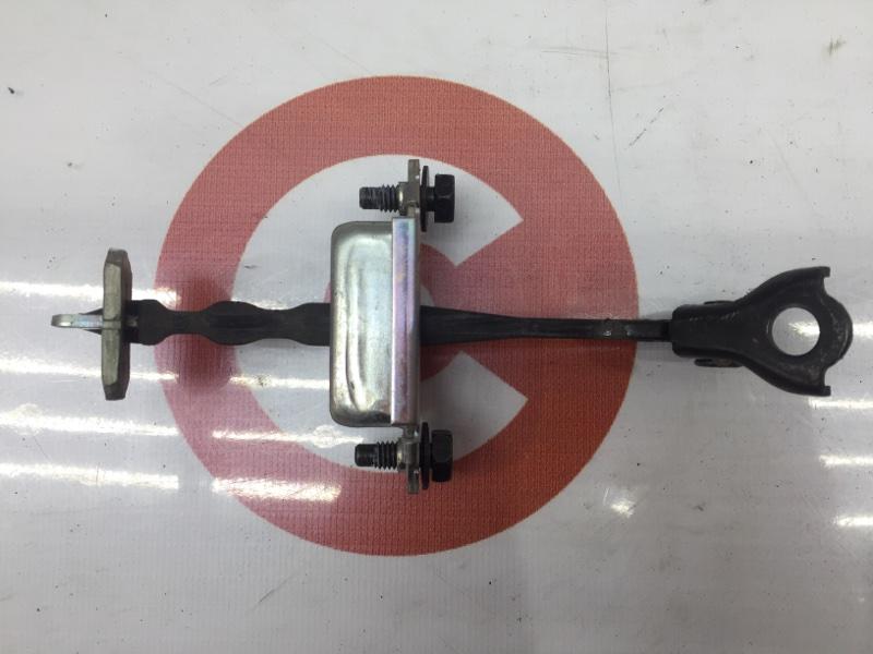 Ограничитель двери Nissan Juke YF15 HR15 2011 задний правый (б/у)