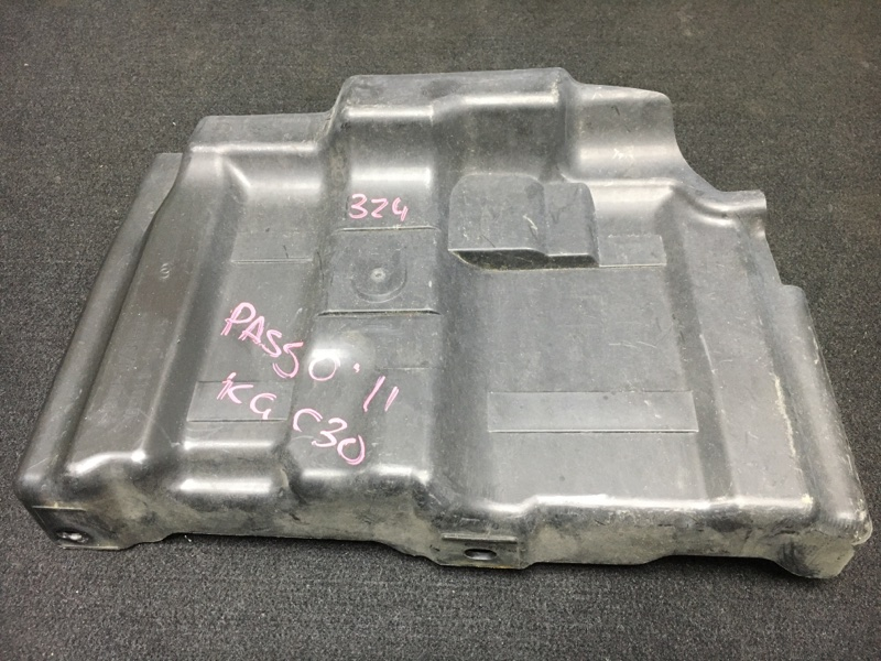 Защита двигателя Toyota Passo KGC30 1KR 2011 передняя правая (б/у)
