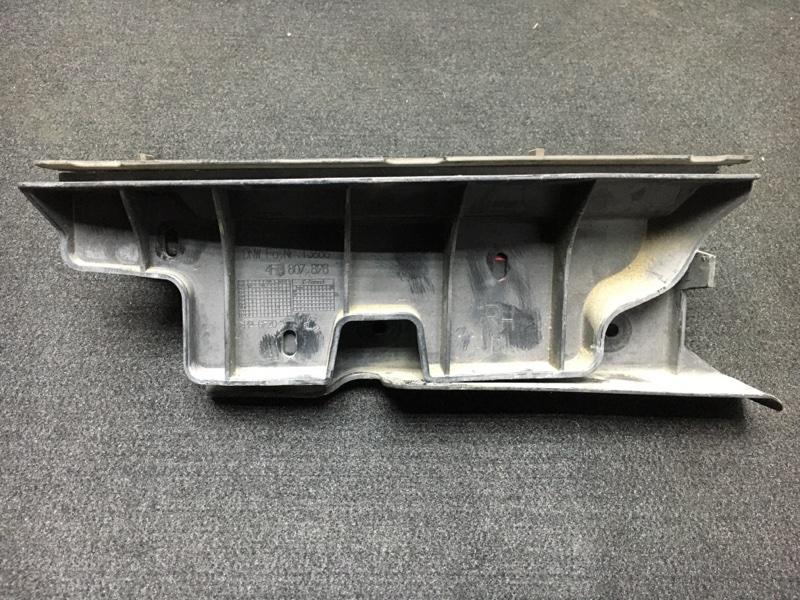 Крепление бампера Audi A6 4F2 AUK 2004 заднее правое Под стоп-сигнал. (б/у)