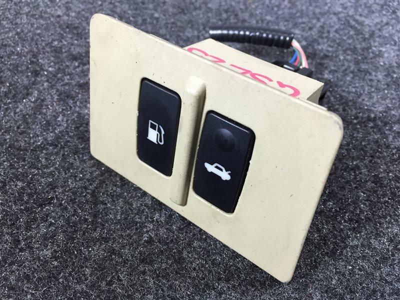 Кнопка открывания бензобака Lexus Is250 GSE25 4GR 2007 502759 В сборе с кнопкой открывания (б/у)