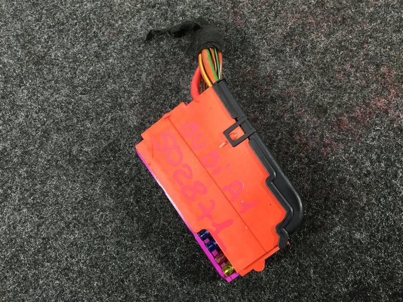 Блок предохранителей Audi A1 8XA CAXA 2011 502871 (б/у)