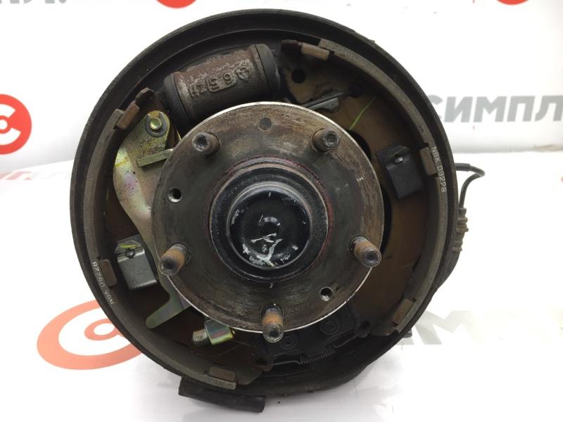 Ступица Mazda Premacy CP8W FP 2004 задняя правая Снят тормозной шланг, барабан. Цена указана  (б/у)