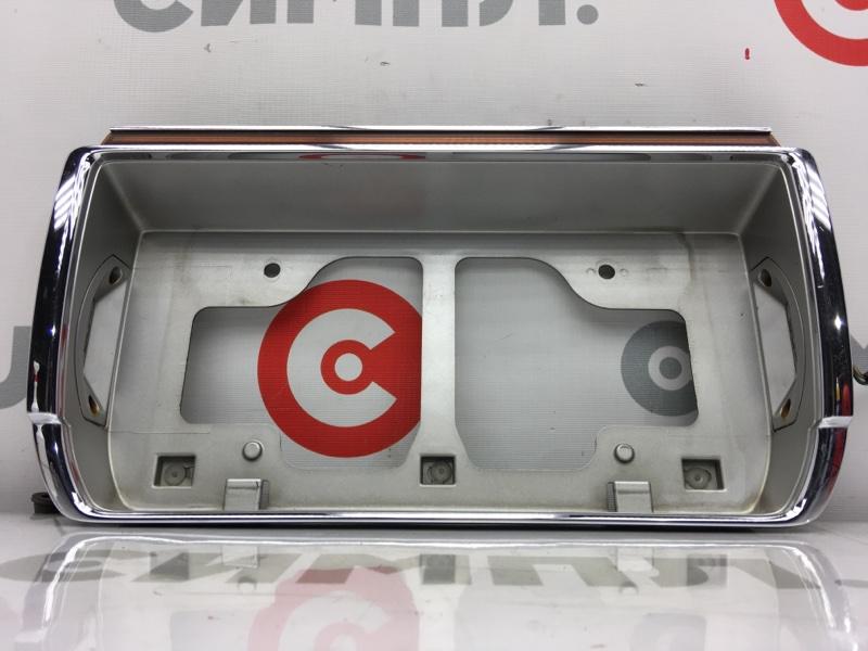 Рамка для крепления номера Toyota Crown GS141 1G 1994 задняя На крышку багажника. (б/у)