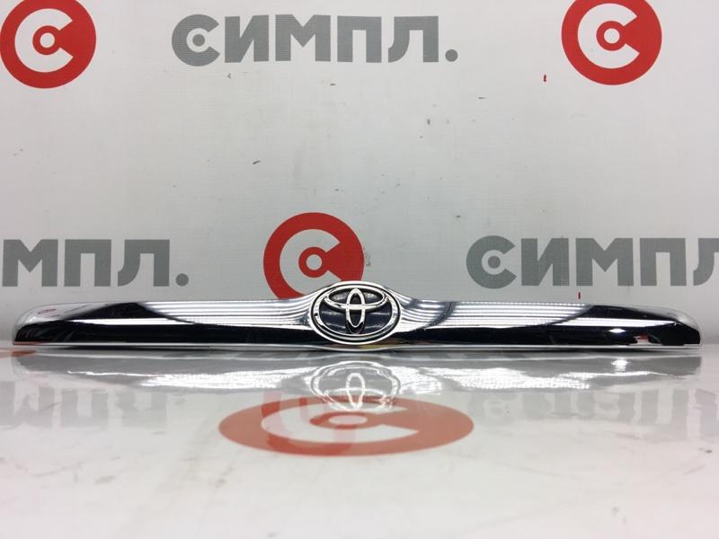 Накладка на крышку багажника Toyota Mark Ii GX110 1G 2002 (б/у)