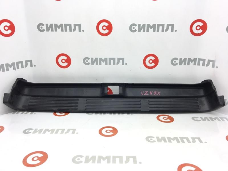 Панель замка багажника Toyota Hilux Surf RZN185 5VZ 1996 задний (б/у)